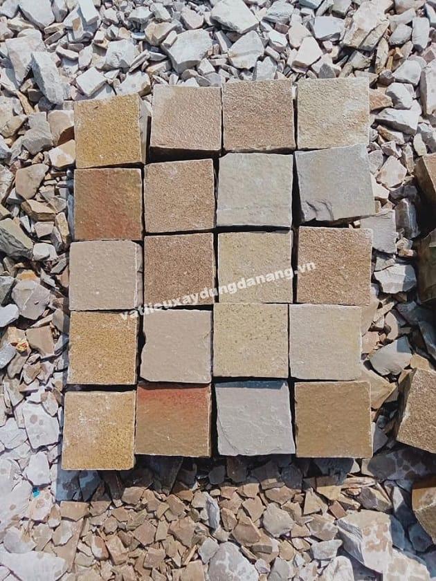 Đá cubic vân gỗ 10x10x5cm