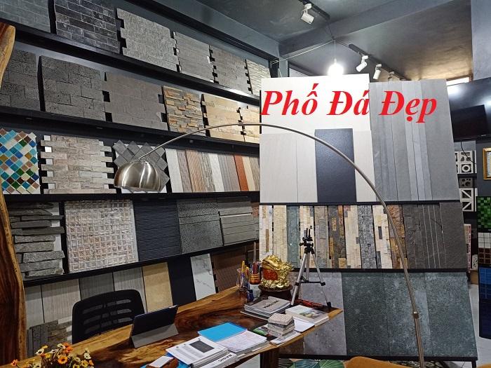 Tất cả các sản phẩm đá ốp tường hầu như được trang trí tại Showroom, Quý khách hàng có thể tới tận nơi xem mẫu và đặt hàng