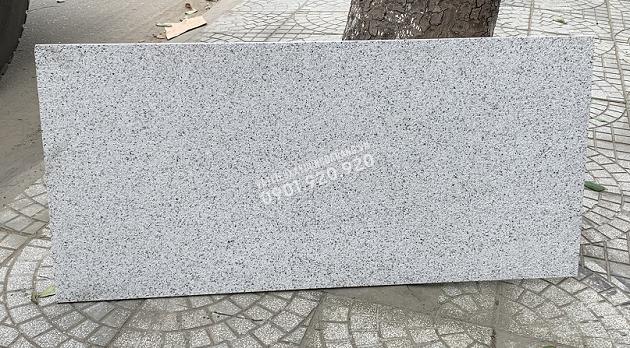 Đá granite trắng băm khổ lớn lát nền sân vườn