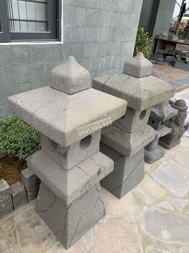 Đèn đá ong đặt sân vườn được ghép lại từ 5 khối chính tạo ra sản phẩm hoàn chỉnh