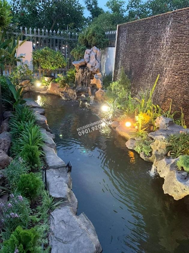 Một không gian sân vườn nhỏ nhưng tạo ra không gian thư giãn ấn tượng
